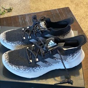 Adidas New Shows Size 10